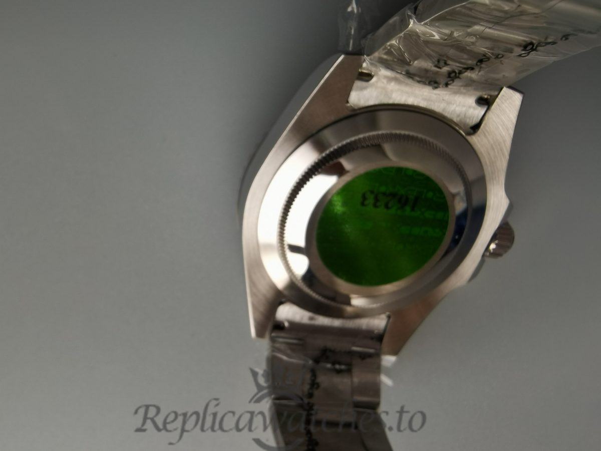 Rolex Submarine 116610 Green And Silver Dial Oyster 40mm For Men Watch
